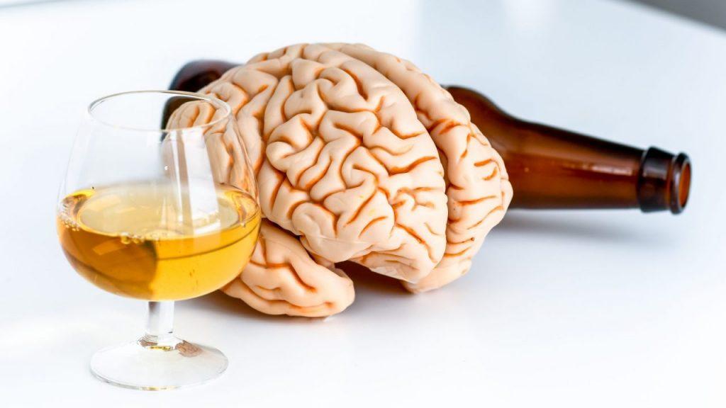 Alcohol and Brain 1280x720 1024x576 - L'alcool «plus dommageable pour la santé du cerveau que la marijuana»